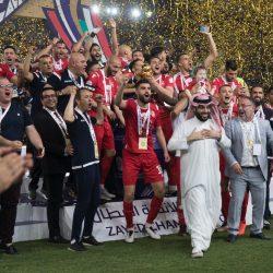ولي عهد أبو ظبي يتوج النجم الساحلي بكأس زايد للأندية الأبطال