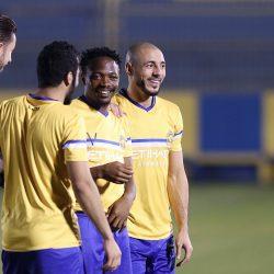 براعم (الأخضر) يستمعون لنصائح روبيرتو كارلوس في برنامج كرة القدم من أجل الصداقة