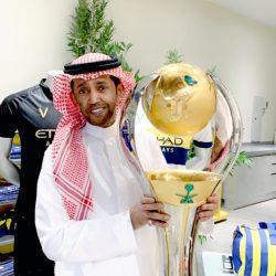 وزير الإسكان يستقبل رئيس جمعية أصدقاء اللاعبين