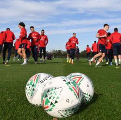 ليفربول يستضيف أرسنال وتشيلسي يصطدم باليونايتد