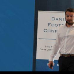 إخصائي علم النفس في نادي ستوك سيتي الانجليزي يقيم محاضرته الأولى في الرياض