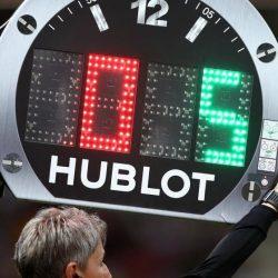 تعديلات جديدة في قوانين كرة القدم.. ٥ تبديلات وقرار بشأن الـ VAR