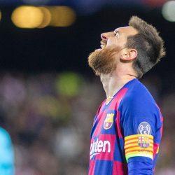 مفاجأة مدوية.. ميسي يفكر في الرحيل عن برشلونة