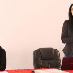 انطلاق دورة تطوير الكرة النسائية العمانية