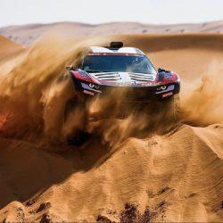 """في فئة """"السيارات"""".. الإسباني ساينز يعود للانتصارات.. الراجحي ثانيًا.. وغداً يوم راحة"""