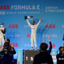 """الهولندي """"دي فريز"""" بطلاً للجولة الافتتاحية من سباق فورمولا إي الدرعية"""
