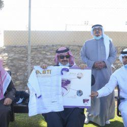 الأمير تركي بن طلال يحضر تدريبات نادي بيشة