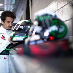 العماني الفيصل الزبير يستعد لمشواره في البطولة الدولية المفتوحة GT لسباقات التحمل