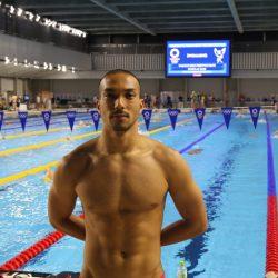 السباح عيسى العدوي يدشن المشاركات العمانية في الأولمبياد